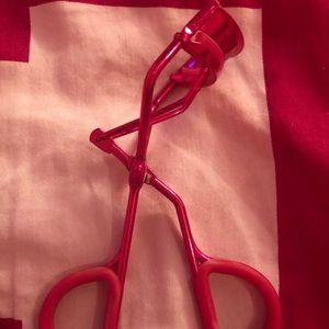 ❗️FREE W ANY PURCHASE❗️Sephora pink eyelash curler